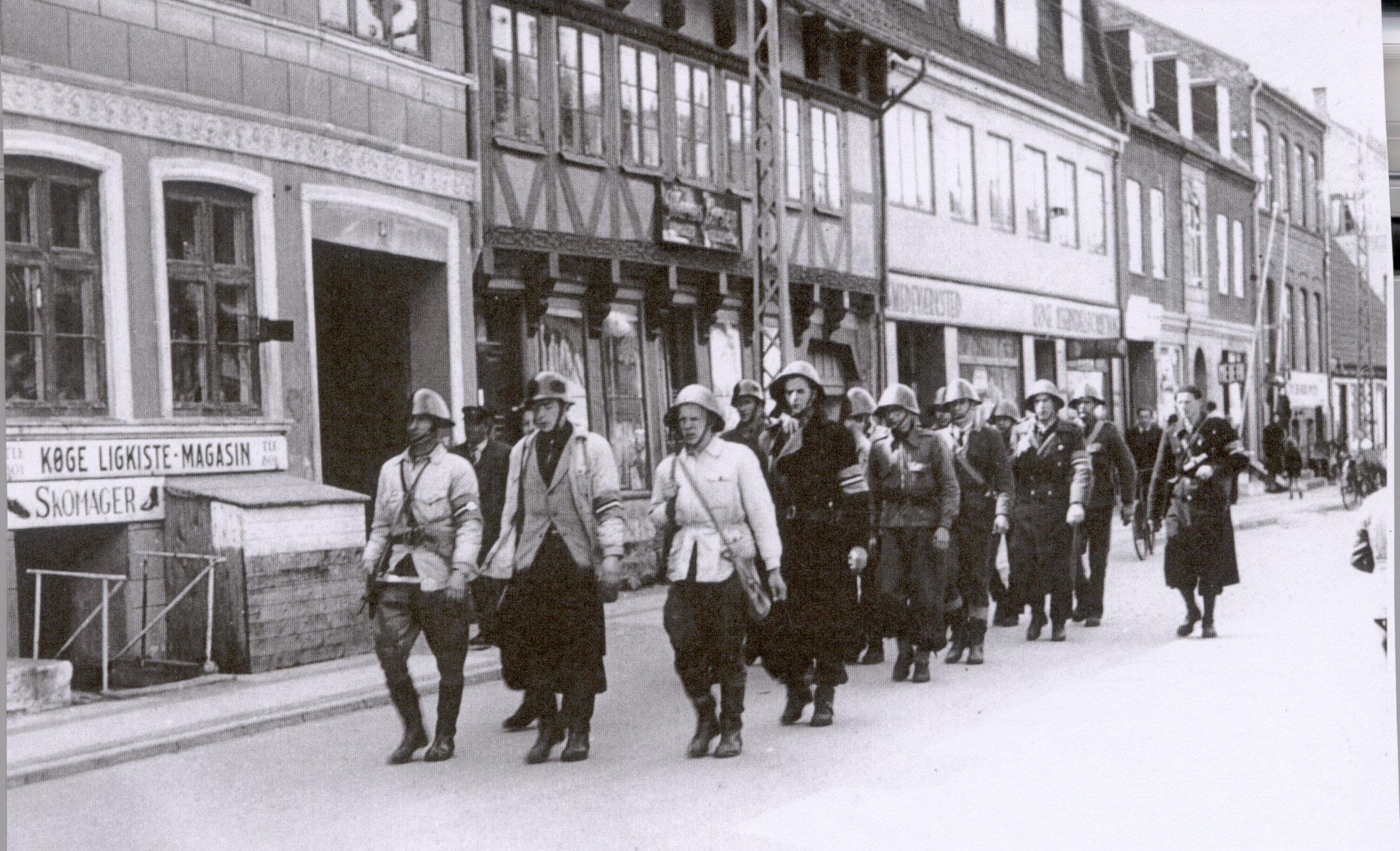 #615972 Dette års Køge Under Besættelsen Historieskolen Clio Gør Det Selv Værkstedet I Køge Køge 6421 215413096421