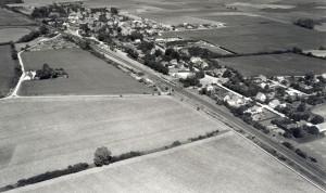 Borup set fra luften. Ældre fotografi fra arkivets samlinger