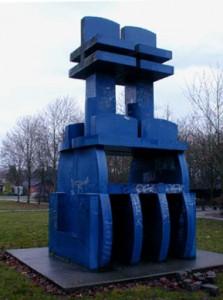 """Skulptur """"Blå skulptur"""" i Ellemarken, Gymnasievej"""