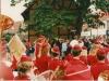 dronningen-ved-skitsesamlingen-med-skoleorkestret
