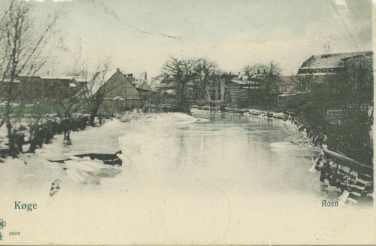 aaen-med-is-og-sne