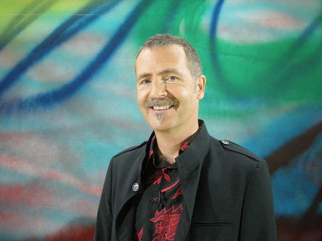 Oplev DR-vært Adrian Hughes fortælle om formidling af historie og kultur.