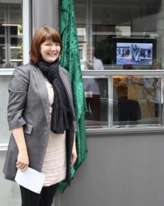 Borgmester Marie Stærke erklærer udstillingen åben