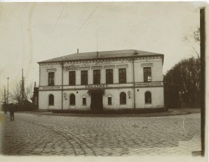 I 1916 blev 338 soldater indkvarteret på Teaterbygningen.