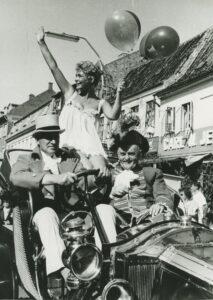 Vivi Bak og Vagn Bro ved karnevalet i Køge 1958.