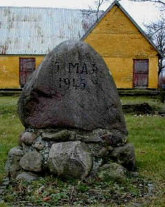 Mindesten for 5. maj 1945, ved Ølsemagle Kirke